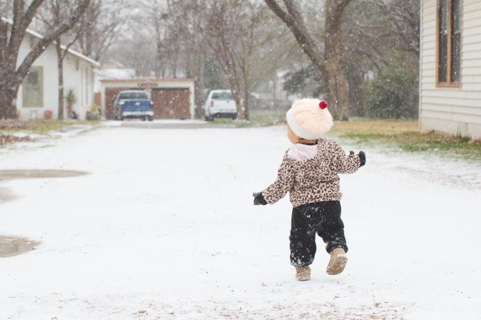 Lyla & Paisley snow-1