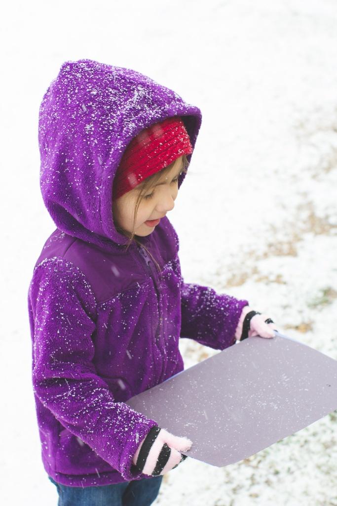 Lyla & Paisley snow-15