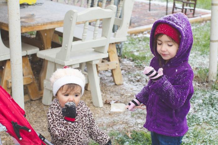 Lyla & Paisley snow-17