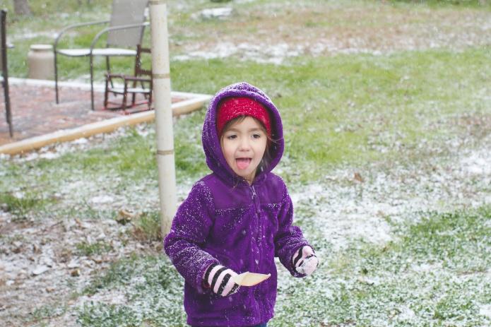 Lyla & Paisley snow-19