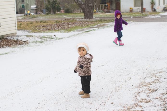 Lyla & Paisley snow-2