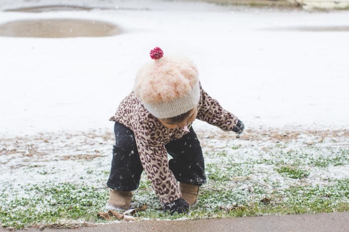 Lyla & Paisley snow-21