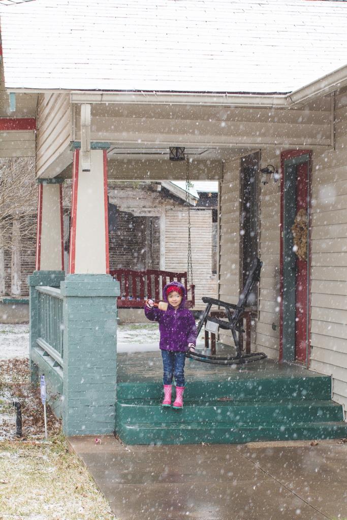 Lyla & Paisley snow-9